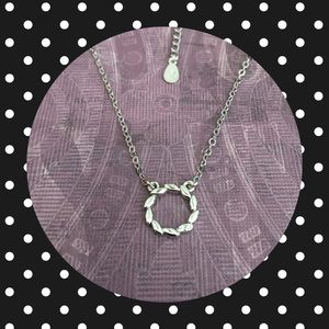 Sterling Silver Circle Wreath Necklace